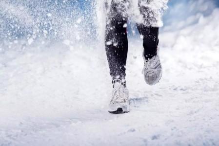冬天来了,你还想坚持跑步吗?冬天跑步的全攻略来啦!